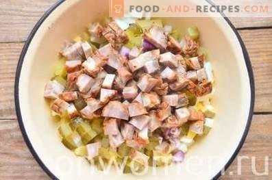 Insalata di patate tedesca con salsiccia