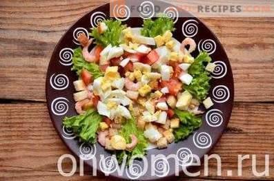 Caesar salad with shrimps