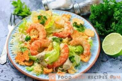 Caesar salad with shrimps