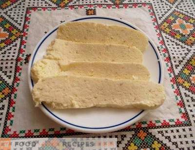 Cream cheese from curd