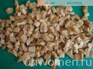 Insalata con pollo, funghi e mais