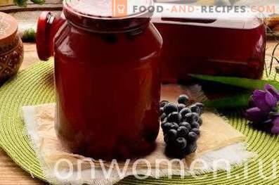 Composta di uva blu per l'inverno