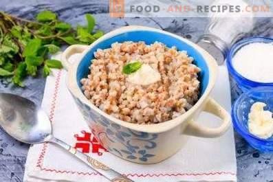 Farinata di grano saraceno con latte in una pentola a cottura lenta