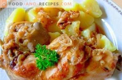 Coniglio in umido con patate in una pentola a cottura lenta
