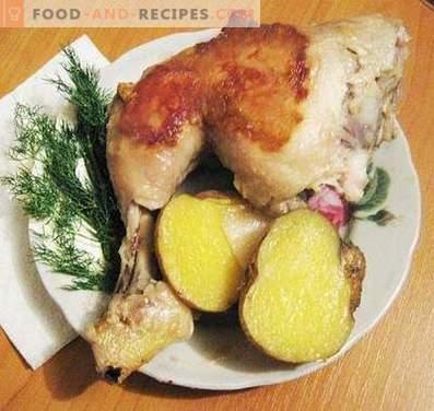 Cosce di pollo cotte in una pentola a cottura lenta