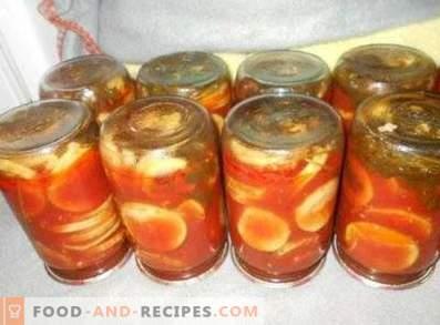 Zucchine in salsa di pomodoro per l'inverno