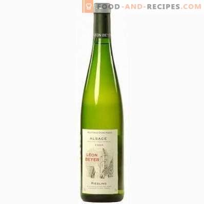 Met wat ze witte, halfzoete wijn drinken